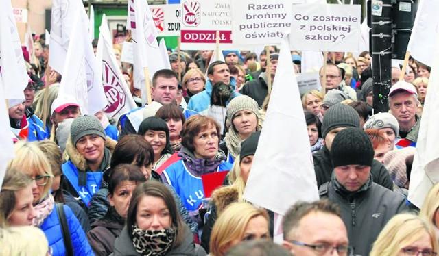 Manifestacja ZNP w Łodzi z 10 października 2016 r. Tym razem związkowcy jadą do Warszawy