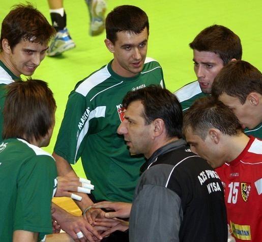 Trener Janusz Bułkowski i Daniel Górski (w środku u góry) rozstali się z AZS-em.