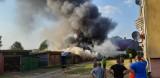 Pożar garaży w Nacławiu w gm. Polanów [zdjęcia]