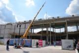 Przy Magnolii wyrósł wielki budynek. Zobacz, jak idą prace przy rozbudowie galerii (ZDJĘCIA)