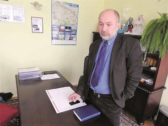 Wójt Tadeusz Łopata chce, by z herbu Lanckorony usunąć wieniec laurowy i zostawić tylko koronę