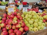 Jabłka, mleko i pomarańcze najbardziej podrożały w ciągu roku. Co taniało? M.in. herbata, ziemniaki i sól