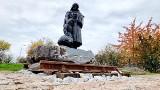 Pomnik Matki Sybiraczki stoi już na Kadzielni w Kielcach. Minister Piotr Wawrzyk zaprasza na odsłonięcie. Zobacz zdjęcia