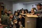 Żołnierze z 11. batalionu dowodzenia obdarowali dzieci z Domu Dziecka w Szprotawie