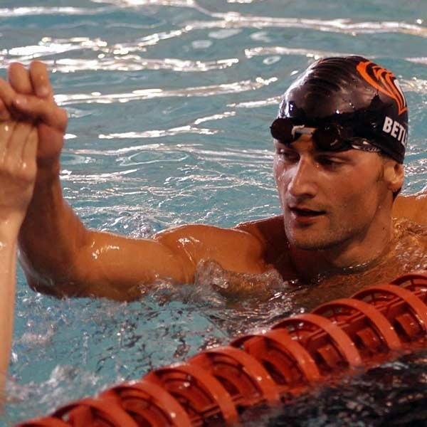 WOJCIECH BETLEJWIEK: 22 lata. W 2006 ROKU: czołowy grzbiecista w Polsce, mistrz Polski na 200 m, wicemistrz Polski na 100 m stylem grzbietowym, 17. miejsce na 200 m i 30. na 100 m stylem grzbietowym podczas Mistrzostw Europy w Budapeszcie.