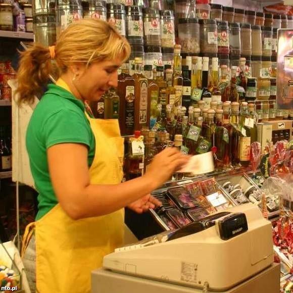 Po szkoleniu bez trudu będzie można sobie poradzić np. z prowadzeniem sklepu. (fot. sxc)