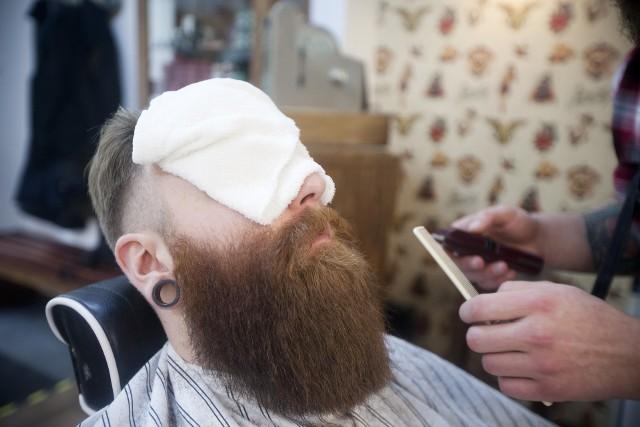 Ukraińców pracujących w Polsce coraz częściej możemy spotkać w salonach fryzjerskich oraz barberskich.