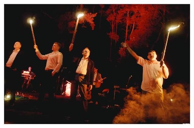 Impreza szantowa odbyła się na wyspie na zalewie Topornia i była bardzo interesującym, barwnym widowiskiem.