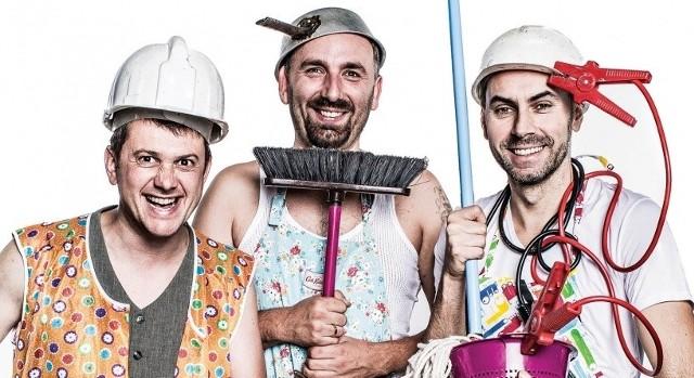 """W najnowszym programie pt. """"Kazik sam w domu"""" kabaret Neo-Nówka zabierze widzów w świat codziennych obowiązków domowych."""