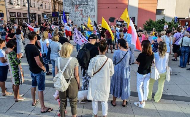 Protest w związku ze zmianami w ustawie medialnej w Bydgoszczy.