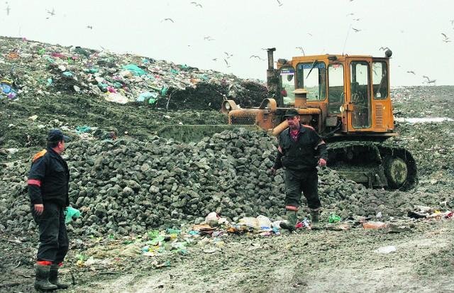 Brzydkie zapachy znad składowiska odpadów są uciążliwe, zwłaszcza w letnie wieczory