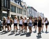 Młode modelki zwiedzały Łódź (wideo)