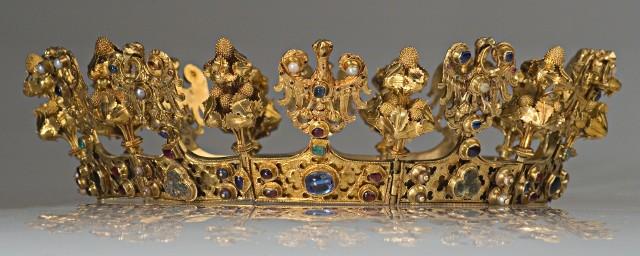 Korona kobieca, początek XIV w.