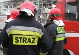 W Jordanowie strażacy gasili płonący budynek gospodarczy