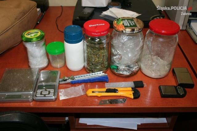 W mieszkaniu mężczyzny znaleziono marihuanę, haszysz i ecstasy