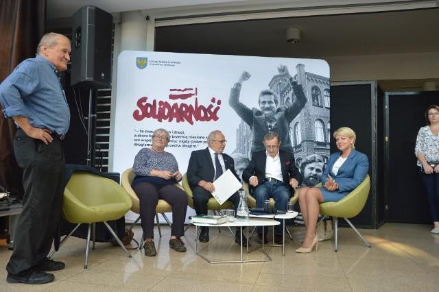 37 rocznica podpisania porozumień sierpniowych w Opolu z udziałem Henryka i Ludwiki Wujców, Romana Kirsteina, Józefa Piniora, Angeliki Borys.
