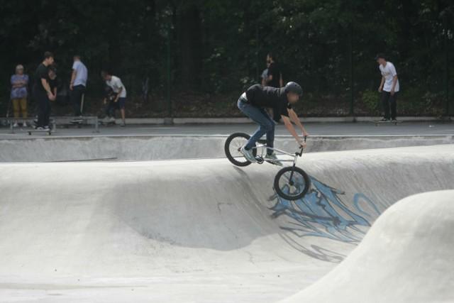 Tragicznie zakończyła się zabawa nastolatków w skateparku w Kaliszu. Zmarł 16-latek