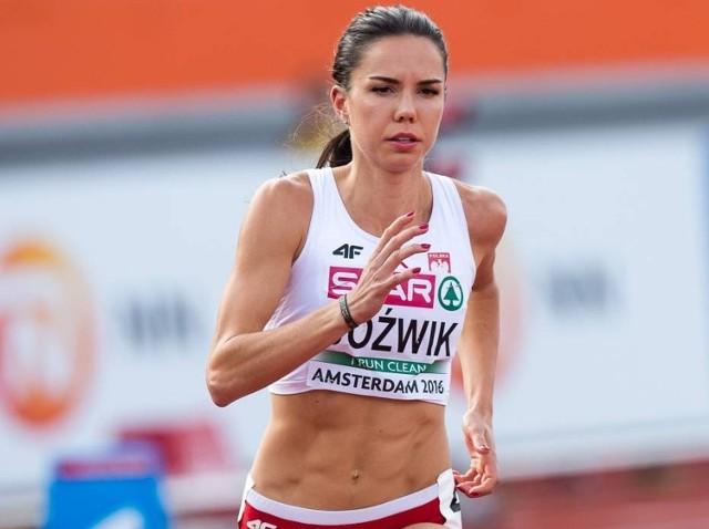 Joanna Jóźwik jest wychowanką Victorii Stalowa Wola. Podczas igrzysk w Rio de Janeiro zajęła 5. miejsce w biegu na 800 metrów.
