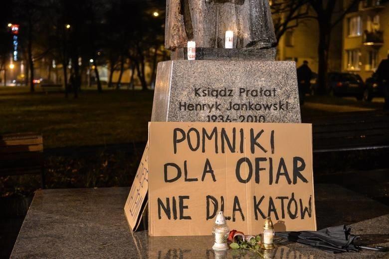 Kontrowersje wokół pomnika ks. Henryka Jankowskiego. Prezydent Gdańska Paweł Adamowicz nie ma wątpliwości, że pomnik musi zniknąć