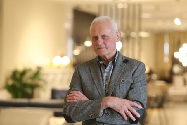 Piotr Kler, założyciel firmy Kler SA w najnowszym salonie marki w Katowicach, październik 2020 r.Zobacz kolejne zdjęcia. Przesuwaj zdjęcia w prawo - naciśnij strzałkę lub przycisk NASTĘPNE