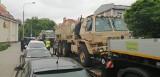 Poznań: Samochód wojskowy Amerykanów uderzył w sygnalizator na skrzyżowaniu Polnej i Bukowskiej [ZDJĘCIA]