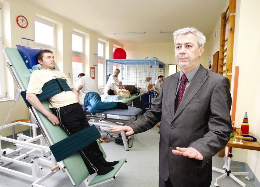- W przyszłości chciałbym powiększyć oddział rehabilitacji o 15 łóżek - mówi Zdzisław Białowąs. FOT. TADEUSZ POŹNIAK