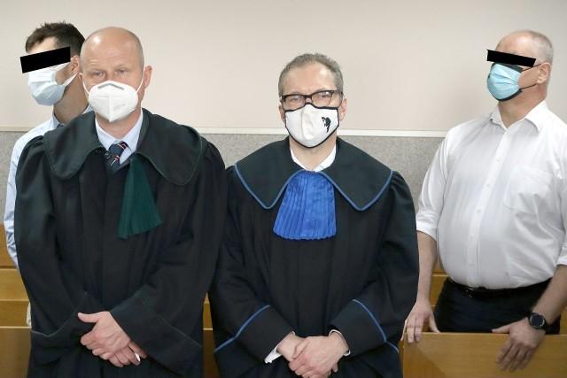 Komendanci obozu ZHR w Suszku na Pomorzu, na którym podczas nawałnicy zginęły dwie harcerki, są niewinni. Taką decyzję podjął w środę 23 czerwca Sąd Rejonowy Łódź – Śródmieście. Wyrok nie jest prawomocny.