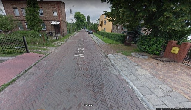 Wiele ulic w Sosnowcu nadaje się do remontu, są w bardzo złym stanie. Wskazali je mieszkańcy Sosnowca. Niektóre z nich nie były remontowane od lat. Zobacz kolejne zdjęcia. Przesuń zdjęcia w prawo - wciśnij strzałkę lub przycisk NASTĘPNE
