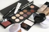 Nieoczywiste zastosowanie kosmetyków do makijażu, czyli co zrobić, jak zabraknie Ci ulubionych cieni do powiek, czy szminki!