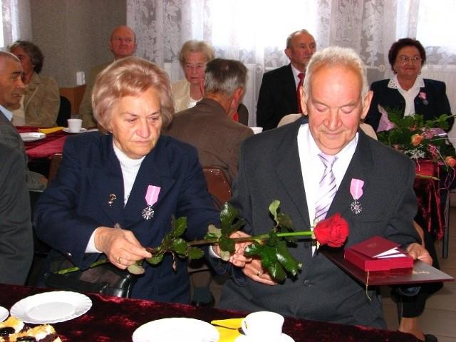 W tym roku w gminie Malkinia Górna swój zloty jubileusz pozycia malzenskiego obchodzilo 52 pary.