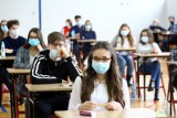 """""""Kiedy wracamy do szkoły?"""" - pytają uczniowie. Koniec zdalnej nauki jeszcze w tym semestrze? Minister Zdrowia podaje możliwy termin"""