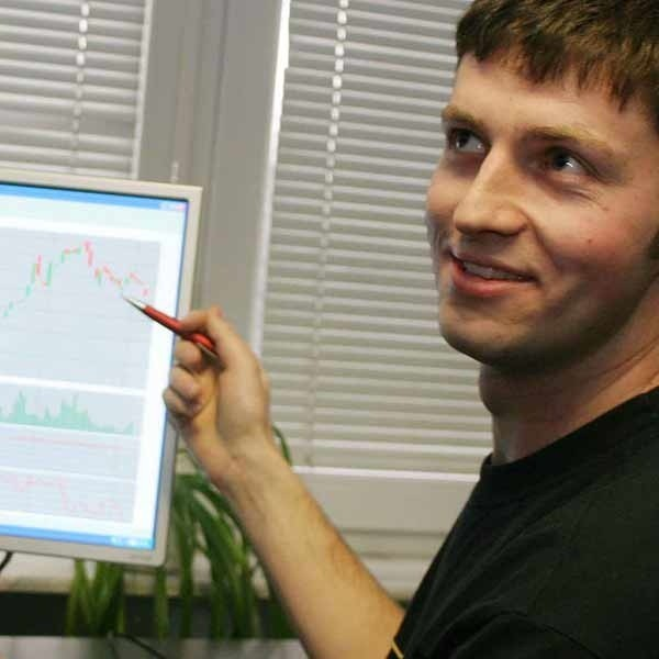- Dzień zaczynam od biegania, a dopiero później analizuję rynek - wyjaśnia Piotr Szwanenfeld