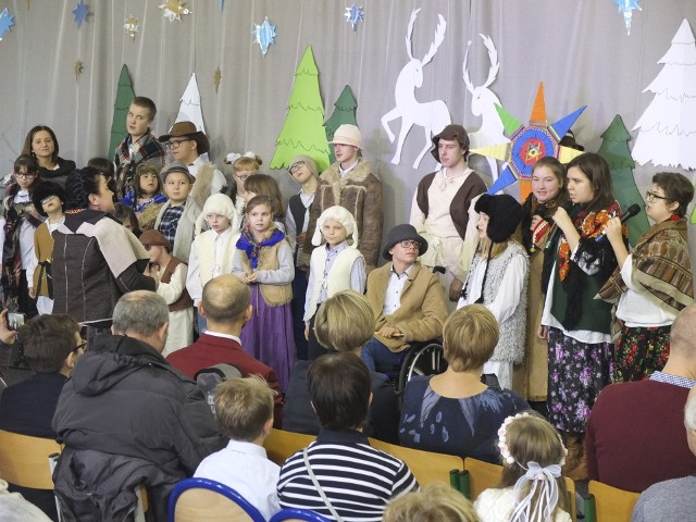 W Szkole Podstawowej numer 7 w Słupsku odbył się bożonarodzeniowy kiermasz. Przedstawiono również jasełka. Zapraszamy do galerii zdjęć.