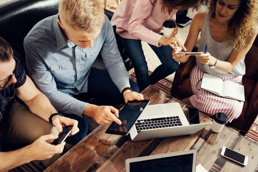 Chcesz założyć firmę i odnieść sukces? Ludzie biznesu podpowiadają, jakie cechy będą Ci potrzebne! VIDEO