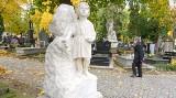 Mimo pandemii trwa coroczna kwesta na ratowanie zabytkowych nagrobków. Zobacz na zdjęciach odnowione pomniki