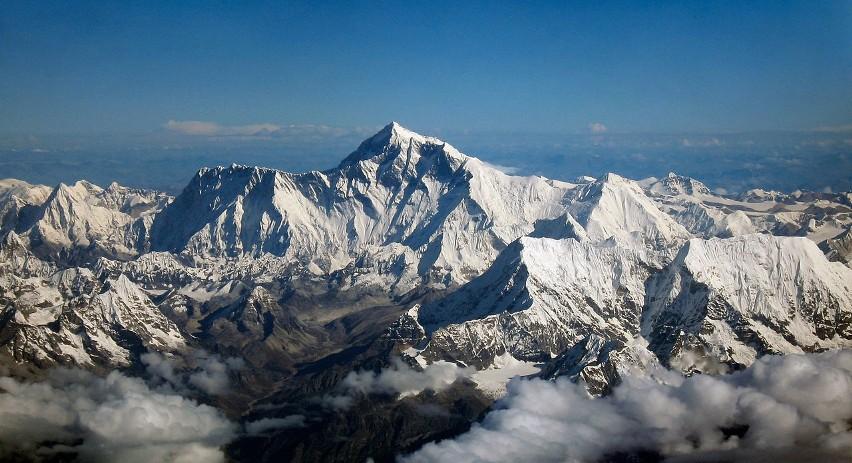CHINY / NEPAL...