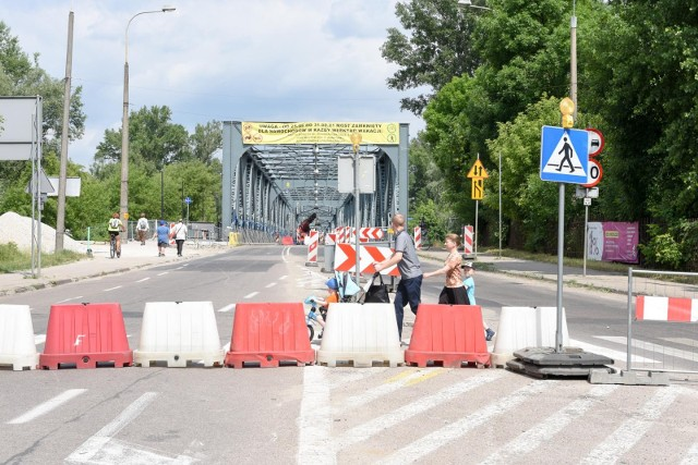 Most marsz. J.Piłsudskiego w Toruniu będzie zamknięty dla kierowców od 2 lipca od godziny 22.00 do po poniedziałku 5 lipca do godz. 5.00. Należy jechać mostem gen. Zawackiej.