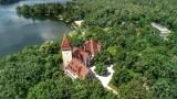 Lubuskie pałace. Dwie rezydencje malowniczo położone wśród jezior. Poznajcie ich historię