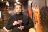 Kustosz białostockiego Muzeum Wojska z medalem od ministerstwa kultury