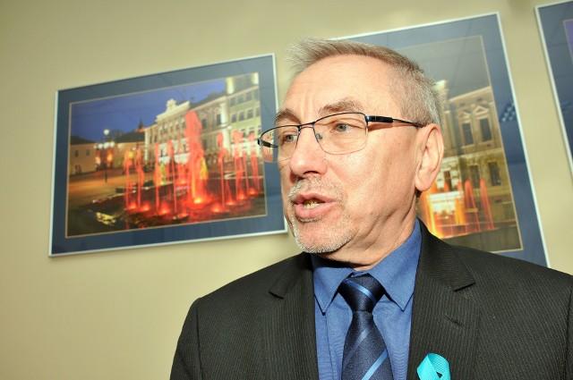 - Zakładany tegoroczny deficyt jest duży, ale mamy zdolność do spłacania zaciągniętych nowych zobowiązań - mówi burmistrz Tadeusz Pióro. Dodaje, że w tym roku będą zakończone ważne inwestycje