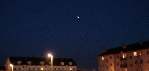 e8c2a76ea6 Tajemnicze światła zauważono nad Międzyrzeczem w sierpniu tego roku.