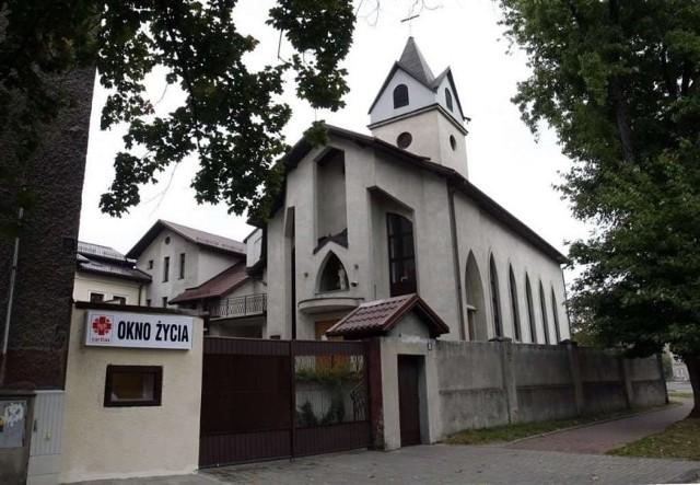 W oknie życia u Sióstr Karmelitanek w Sosnowcu pozostawiono kilkutygodniowego chłopca.