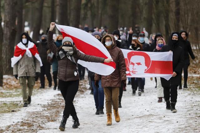 Od wiosny na Białorusi trwają protesty przeciwko fałszowaniu i manipulacjom władzy przy wyborach prezydenckich