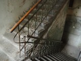 Na schodach w kamienicy klepnął kobietę w pośladki. 34-latek został zatrzymany na Starym Polesiu. Grozi mu do 8 lat więzienia!