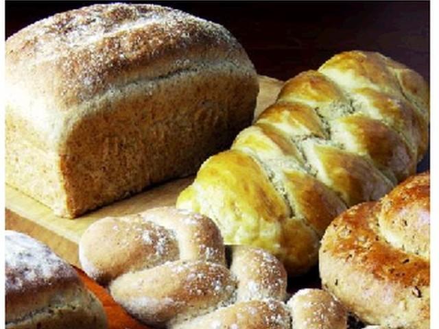 Chorzy na diecie bezglutenowej  często sami wytwarzają dietetyczne potrawy, które z powodzeniem zastępują tradycyjne  dania: chleb, bułeczki, a nawet pierogi, pizze, naleśnik czy ciasta