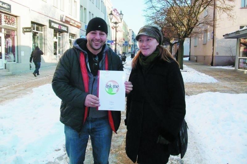 """Stephany Eschuk i Sebastian Jaworowski chcą promować nasz region i ściągnąć do nas turystów. Projekt """"ASK ME!"""" poparli już przedstawiciele lokalnej władzy."""