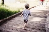 Ballada o małym Filipie, który kiedyś nie wiedział, kim jest, przeznaczeniu oraz rodzicach i bracie, którzy na niego czekali