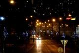 Choinki od braci Zielonka znów będą stroić Starachowice. Zawisną na latarniach przy ulicy Radomskiej [ZDJĘCIA]