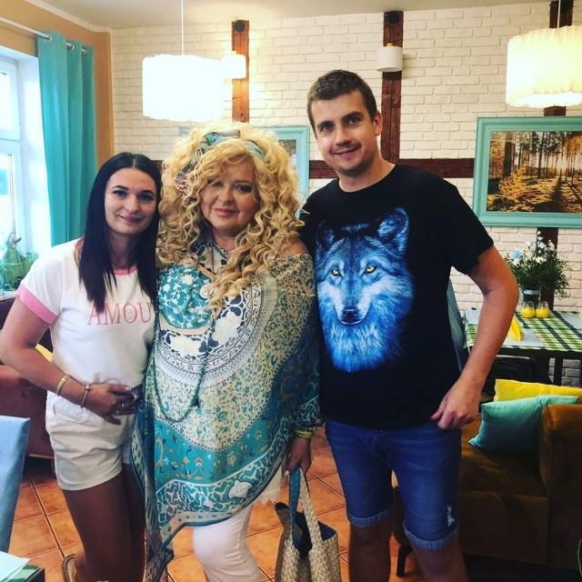 Magda Gessler od lat przemierza całą Polskę, by poprawić stan gastronomii. Najpopularniejsza polska kucharka udała się z rewolucją do dawnej restauracji Silvano w Połajewie, aby wyciągnąć właścicieli z tarapatów. Czy się udało?