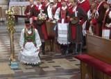 Wesele Kurpiowskie 2020. Film z inscenizacji ślubu w kadzidlańskim kościele